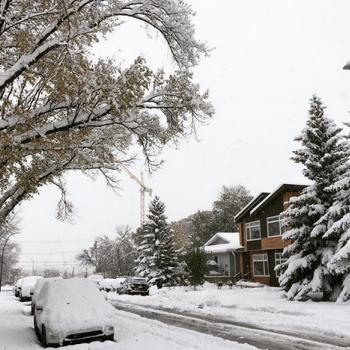 Hiver précoce : l'ouest du Canada croule sous la neige