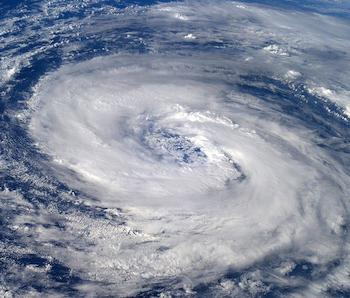 Le cyclone Epsilon retarde-t-il l'arrivée du froid en Europe occidentale ?